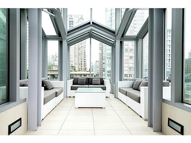 Condo Apartment at 301 535 SMITHE STREET, Unit 301, Vancouver West, British Columbia. Image 5