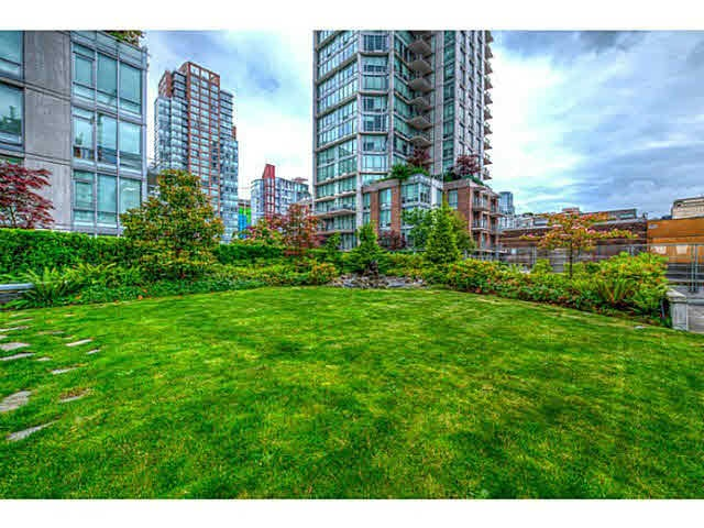 Condo Apartment at 301 535 SMITHE STREET, Unit 301, Vancouver West, British Columbia. Image 10