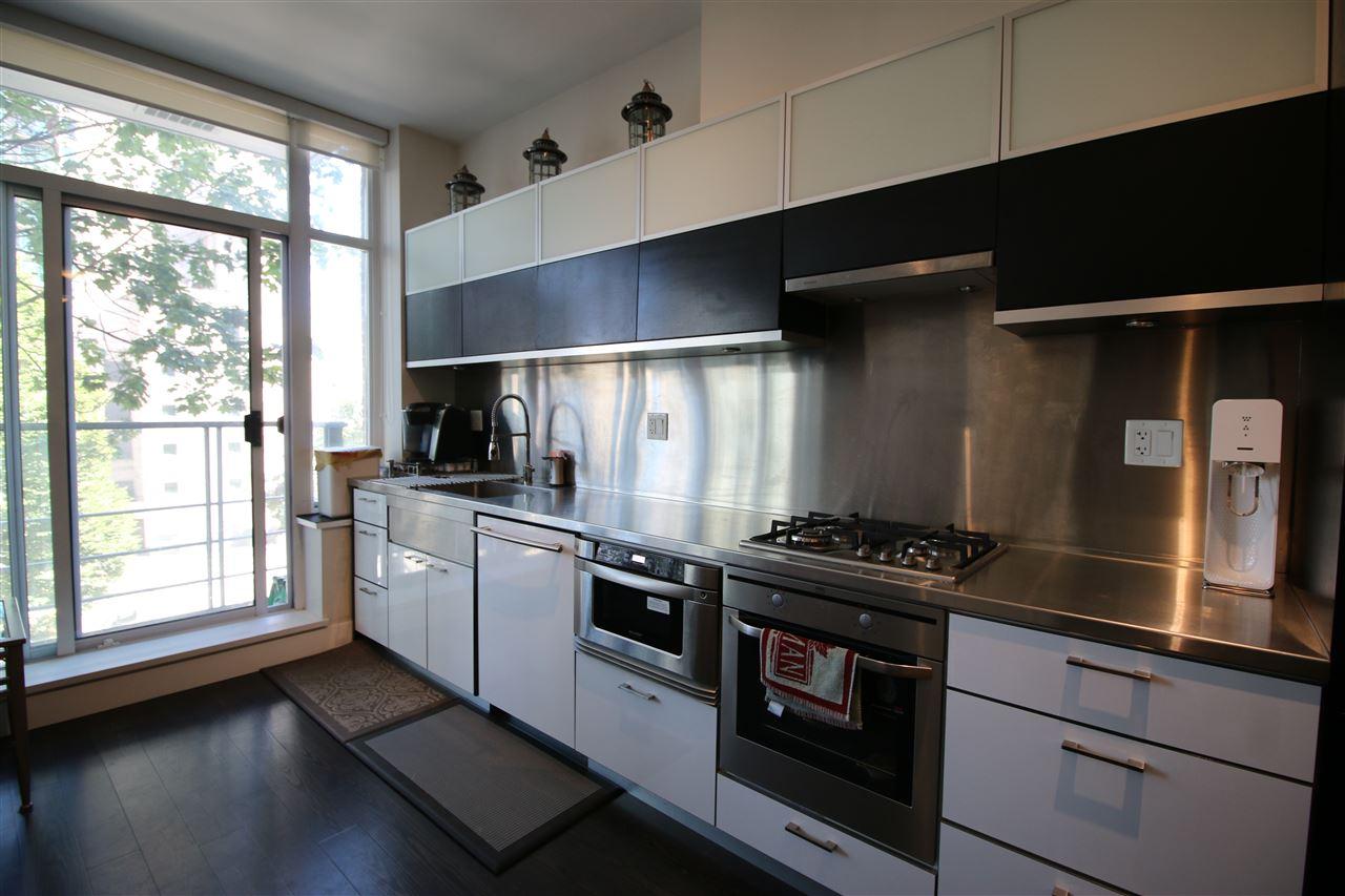 Condo Apartment at 301 535 SMITHE STREET, Unit 301, Vancouver West, British Columbia. Image 11
