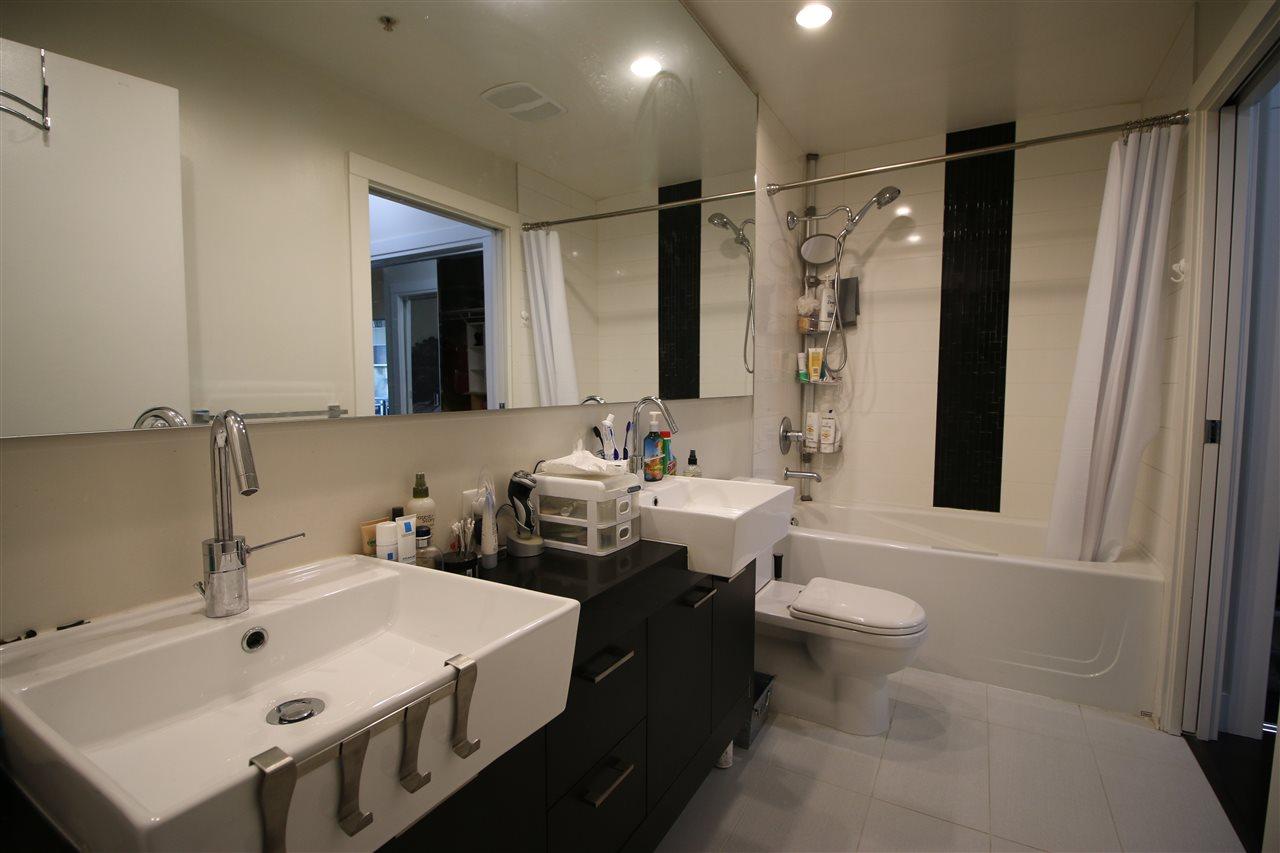 Condo Apartment at 301 535 SMITHE STREET, Unit 301, Vancouver West, British Columbia. Image 15