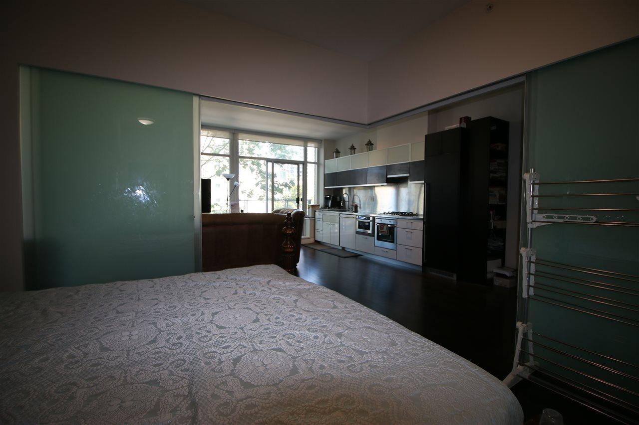 Condo Apartment at 301 535 SMITHE STREET, Unit 301, Vancouver West, British Columbia. Image 17