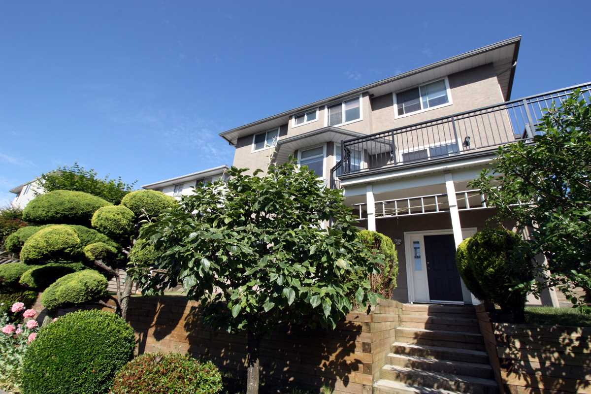 Detached at 2226 KAPTEY AVENUE, Coquitlam, British Columbia. Image 16