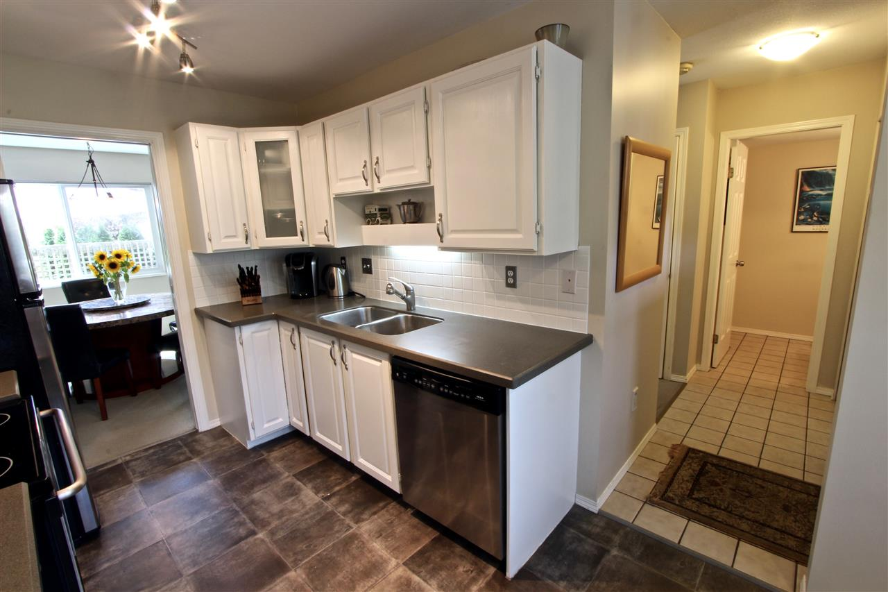 Townhouse at 8 237 W 16TH STREET, Unit 8, North Vancouver, British Columbia. Image 3