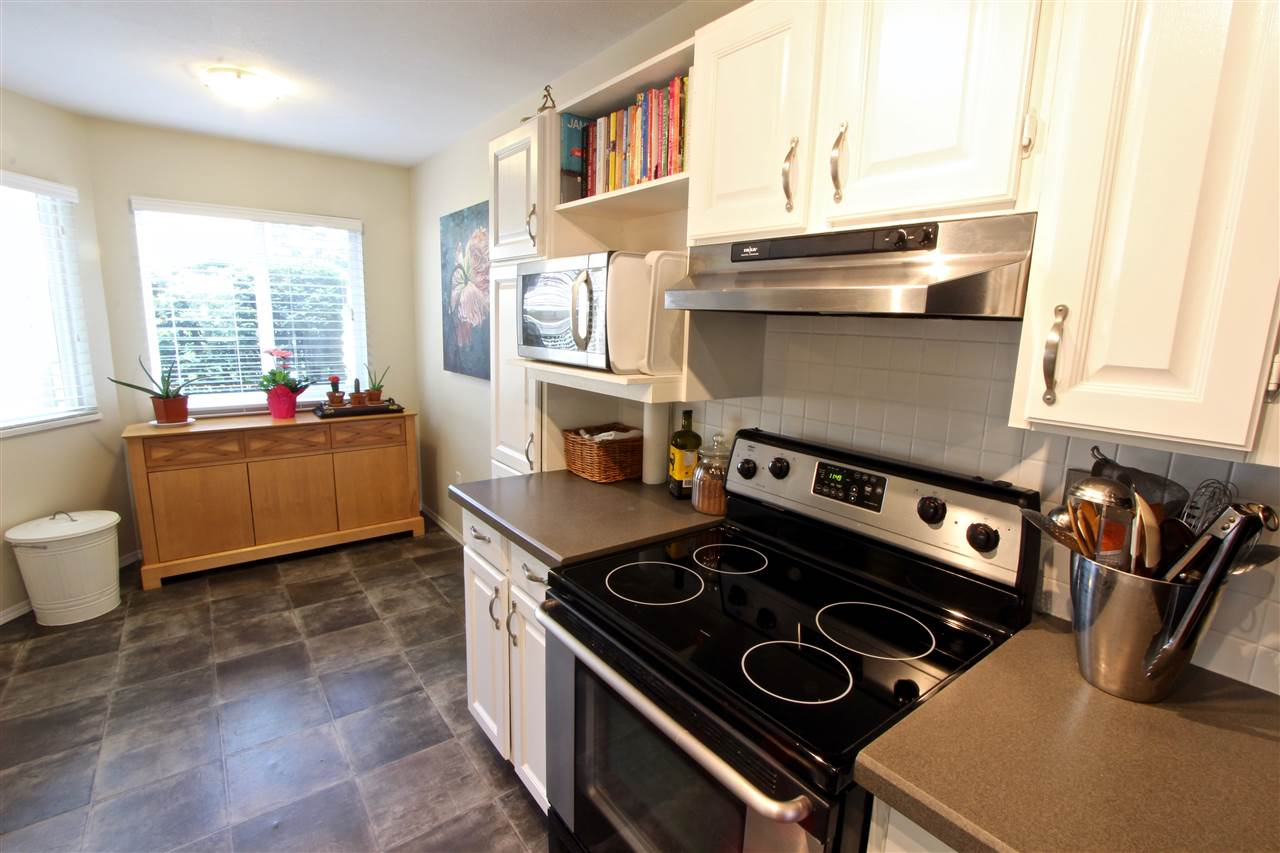 Townhouse at 8 237 W 16TH STREET, Unit 8, North Vancouver, British Columbia. Image 5