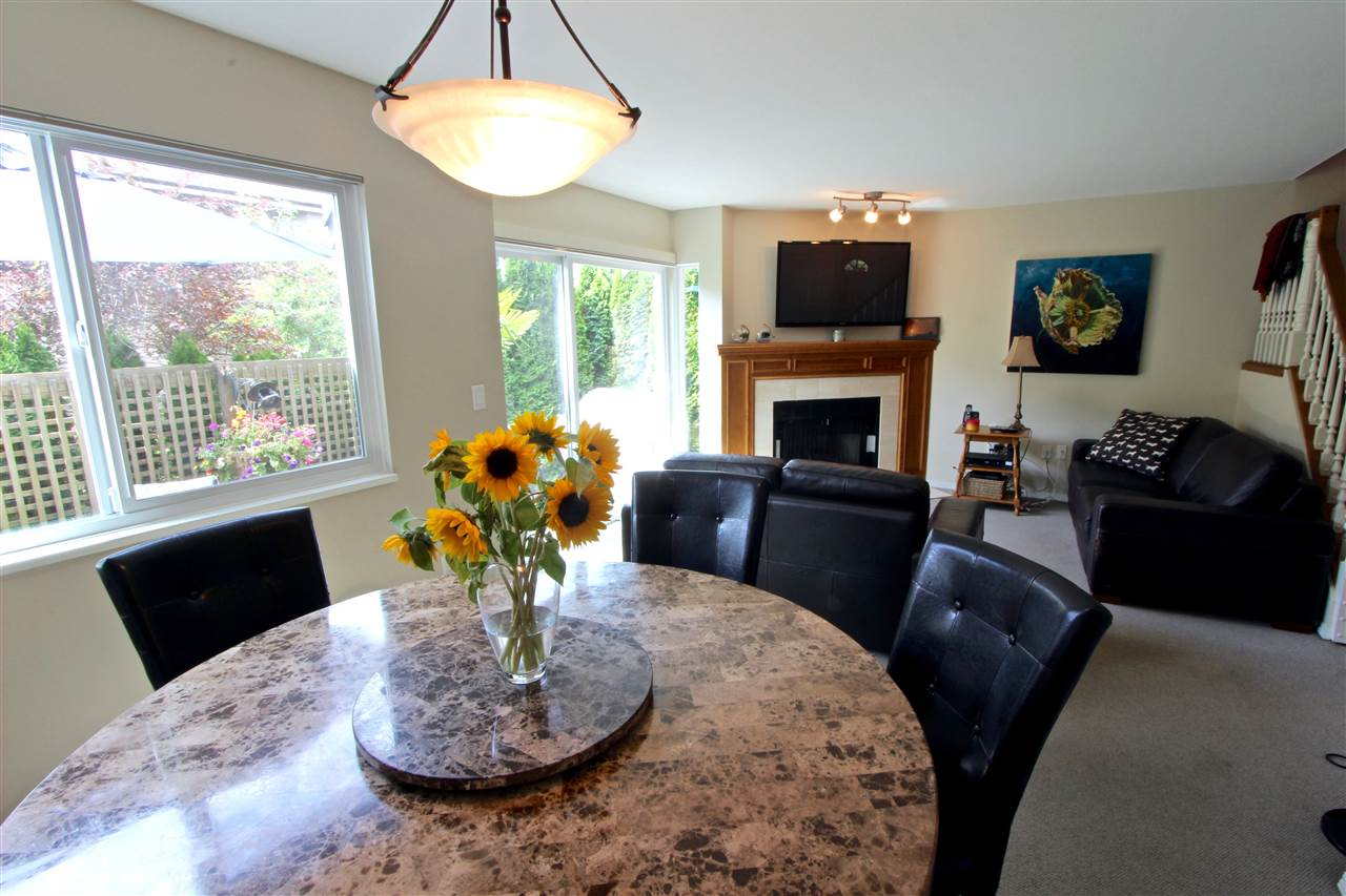 Townhouse at 8 237 W 16TH STREET, Unit 8, North Vancouver, British Columbia. Image 8