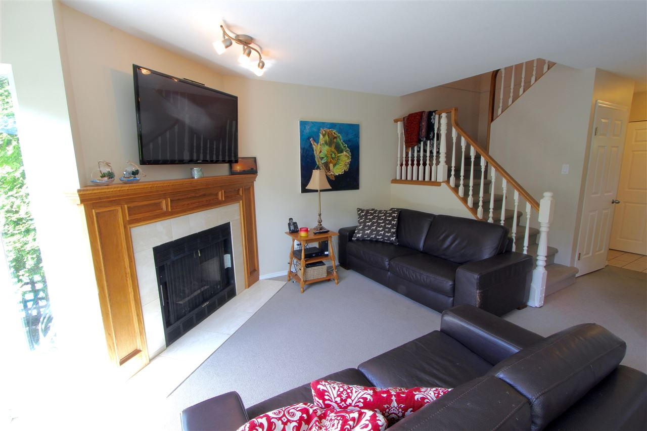 Townhouse at 8 237 W 16TH STREET, Unit 8, North Vancouver, British Columbia. Image 10