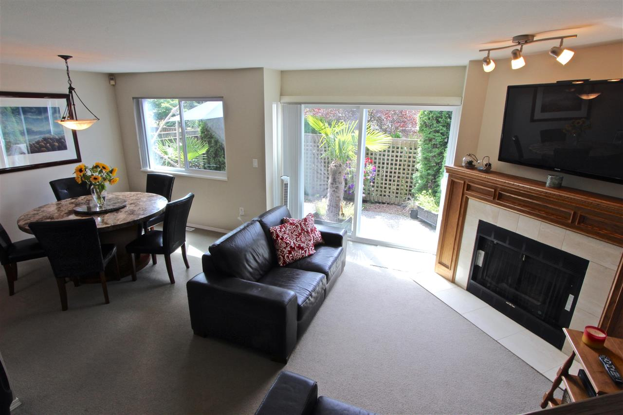 Townhouse at 8 237 W 16TH STREET, Unit 8, North Vancouver, British Columbia. Image 11