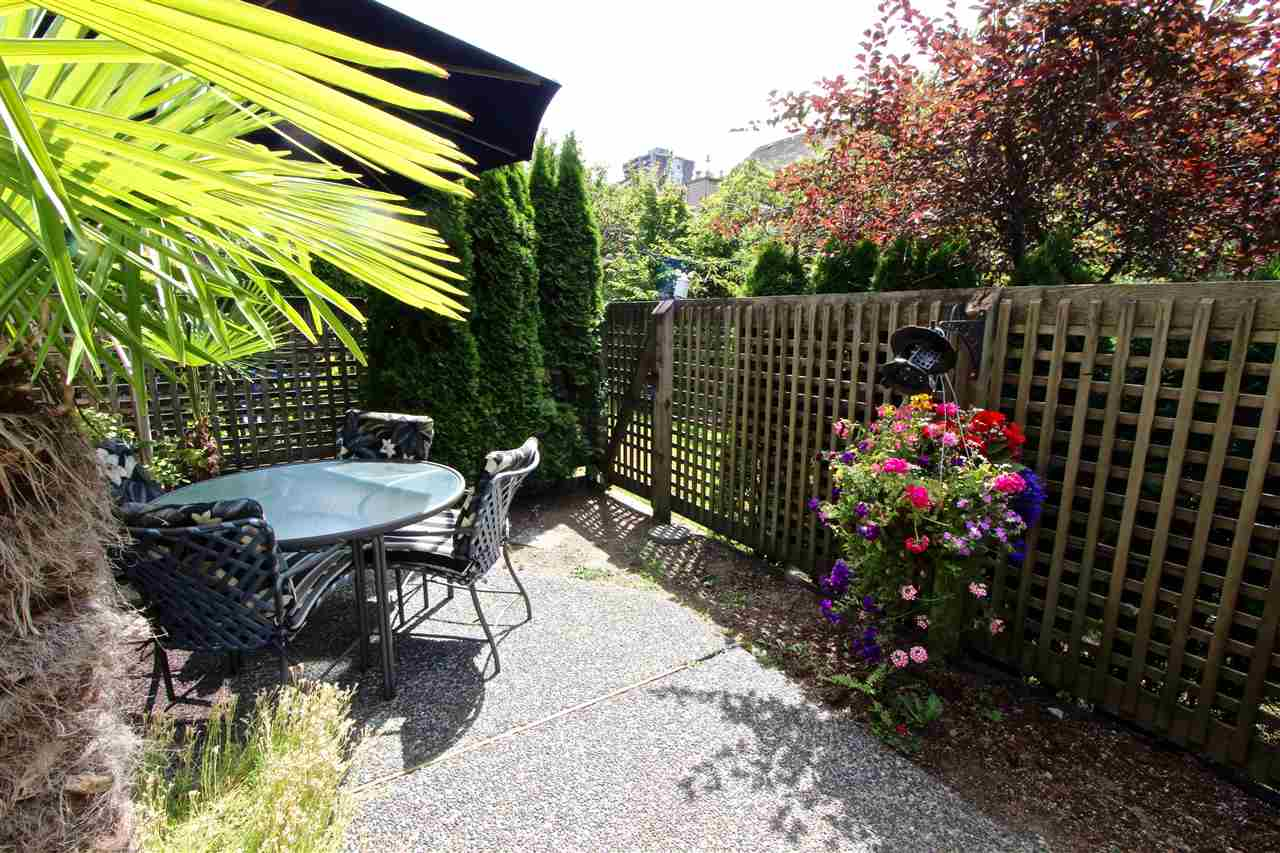Townhouse at 8 237 W 16TH STREET, Unit 8, North Vancouver, British Columbia. Image 12