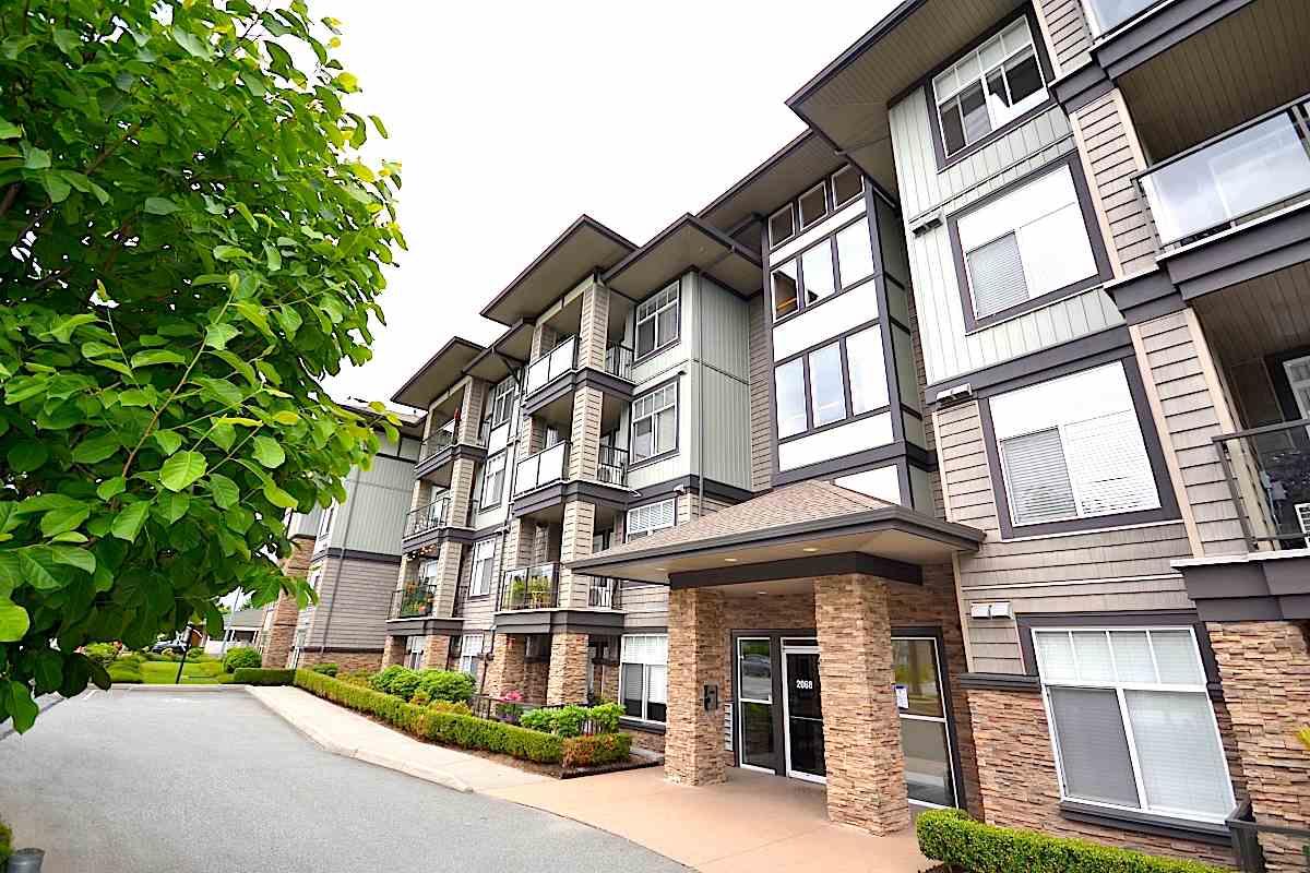 Condo Apartment at 407 2068 SANDALWOOD CRESCENT, Unit 407, Abbotsford, British Columbia. Image 1