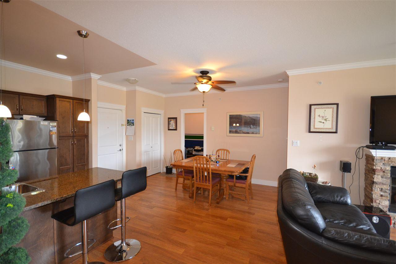 Condo Apartment at 407 2068 SANDALWOOD CRESCENT, Unit 407, Abbotsford, British Columbia. Image 4