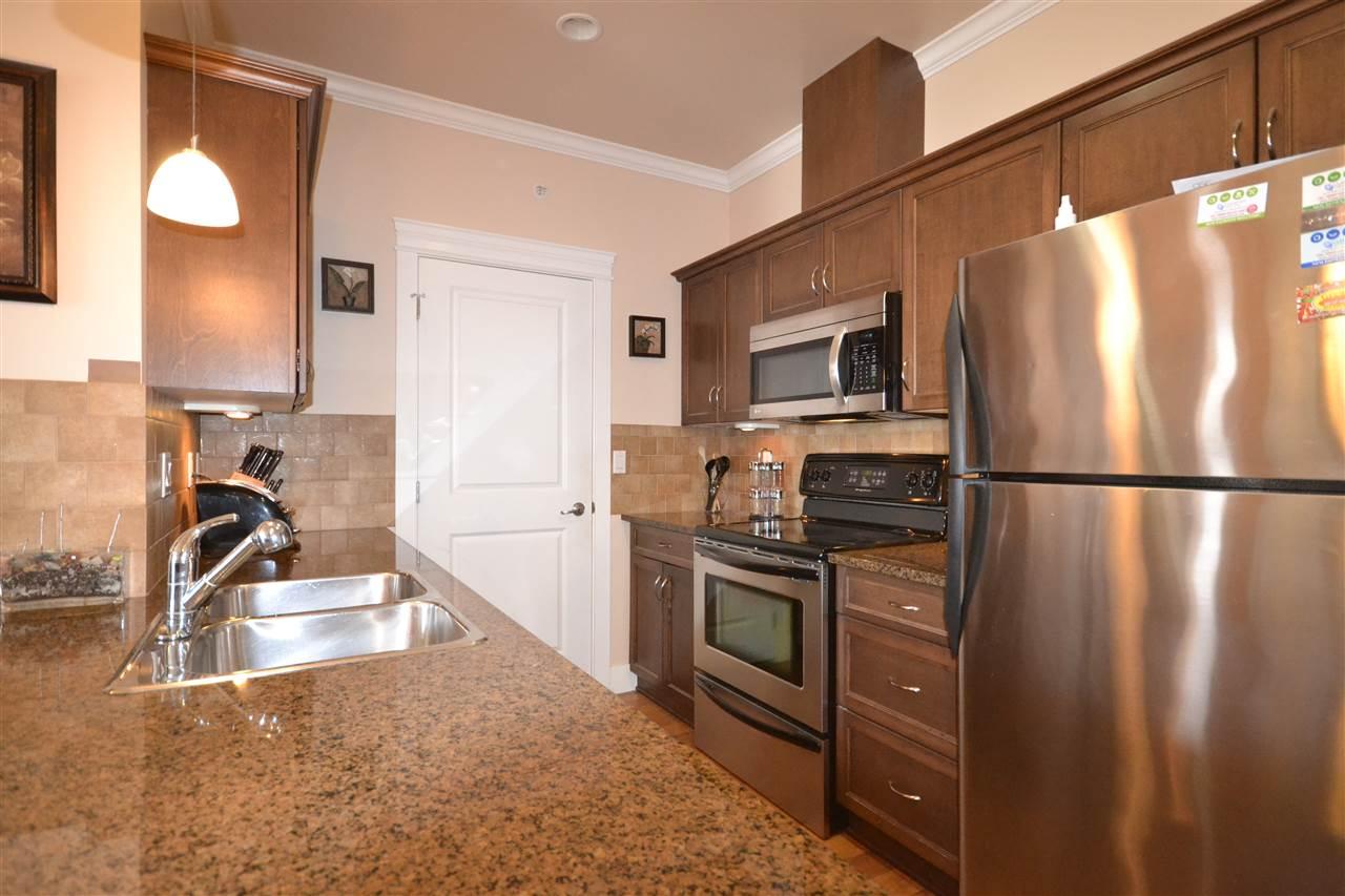 Condo Apartment at 407 2068 SANDALWOOD CRESCENT, Unit 407, Abbotsford, British Columbia. Image 6