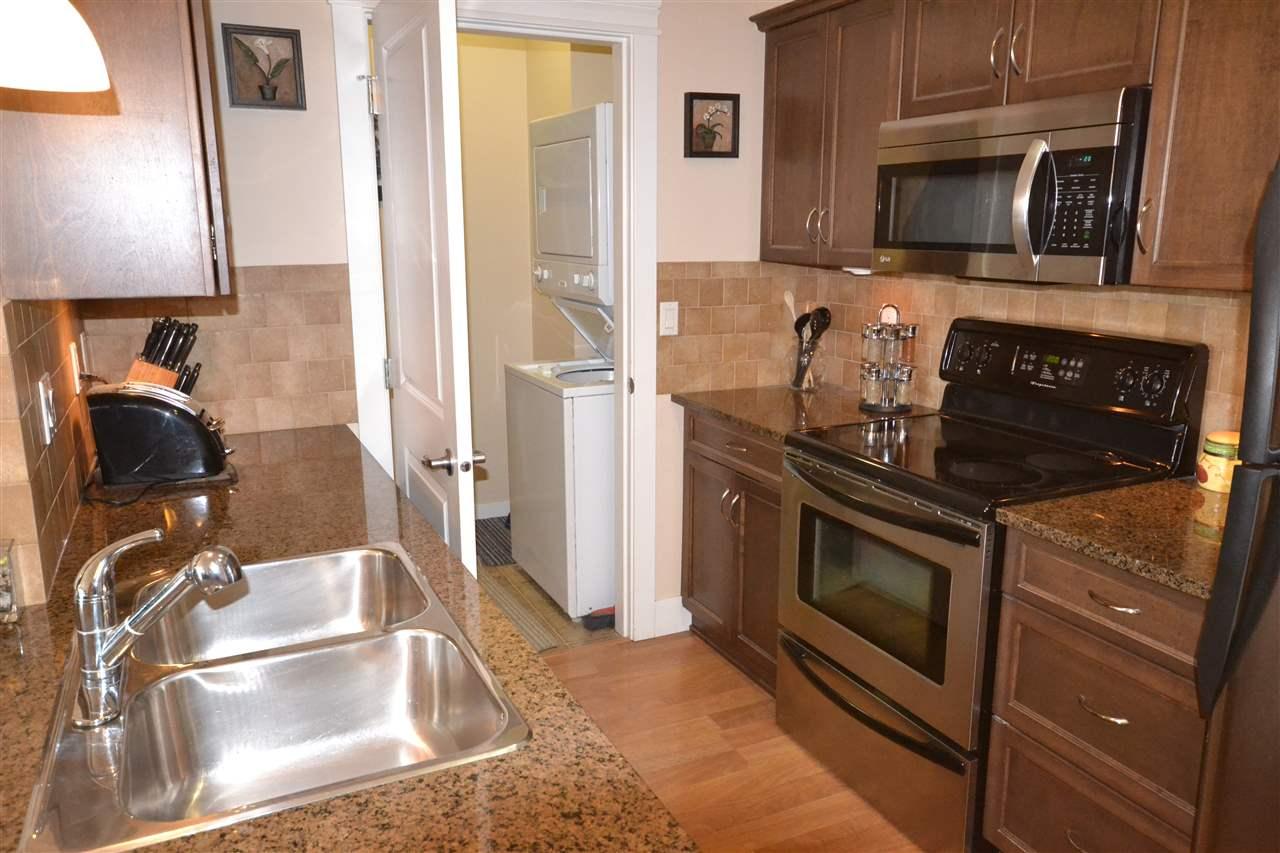 Condo Apartment at 407 2068 SANDALWOOD CRESCENT, Unit 407, Abbotsford, British Columbia. Image 9