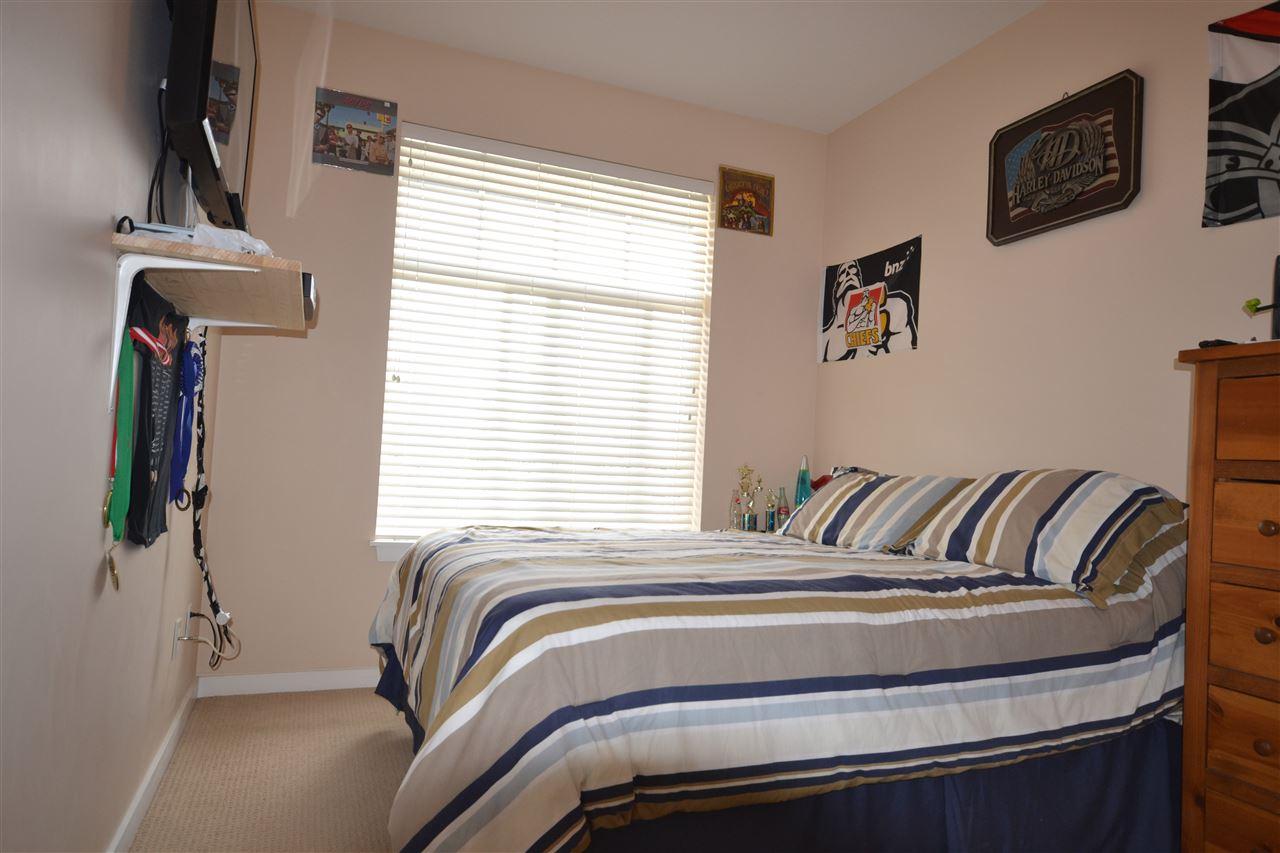 Condo Apartment at 407 2068 SANDALWOOD CRESCENT, Unit 407, Abbotsford, British Columbia. Image 11