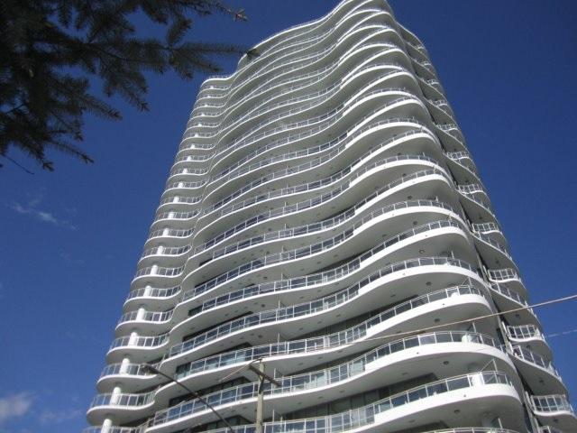 Condo Apartment at 702 13303 103A AVENUE, Unit 702, North Surrey, British Columbia. Image 1
