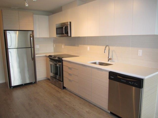 Condo Apartment at 702 13303 103A AVENUE, Unit 702, North Surrey, British Columbia. Image 4