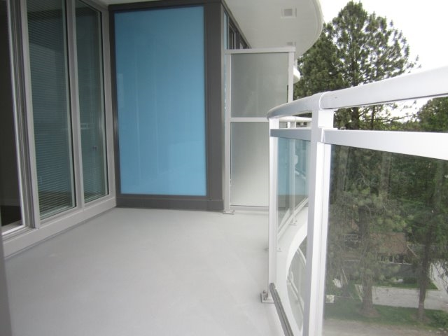 Condo Apartment at 702 13303 103A AVENUE, Unit 702, North Surrey, British Columbia. Image 6