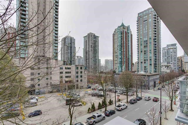 Condo Apartment at 401 535 SMITHE STREET, Unit 401, Vancouver West, British Columbia. Image 2