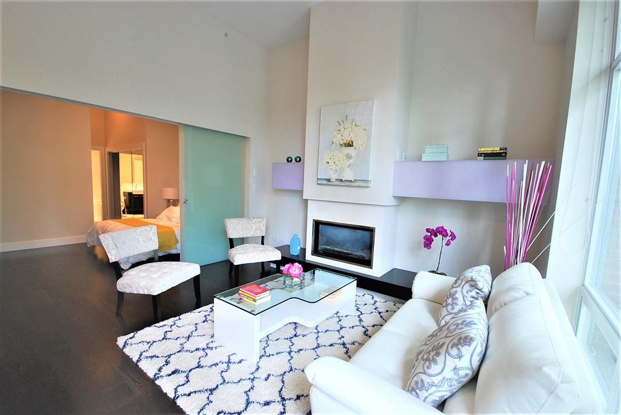 Condo Apartment at 401 535 SMITHE STREET, Unit 401, Vancouver West, British Columbia. Image 4