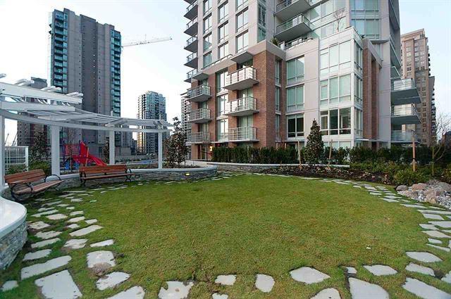 Condo Apartment at 401 535 SMITHE STREET, Unit 401, Vancouver West, British Columbia. Image 16