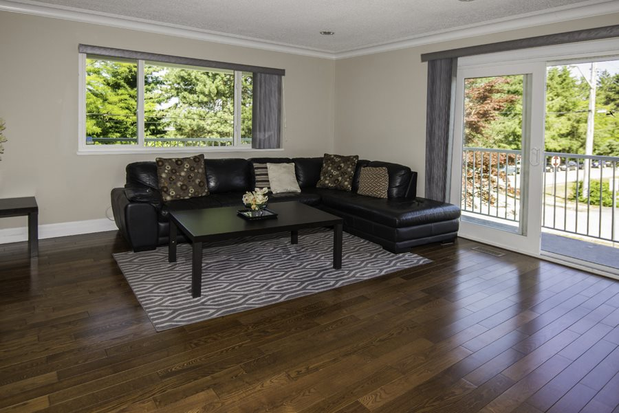 Detached at 3650 WESTMINSTER AVENUE, Burnaby South, British Columbia. Image 2