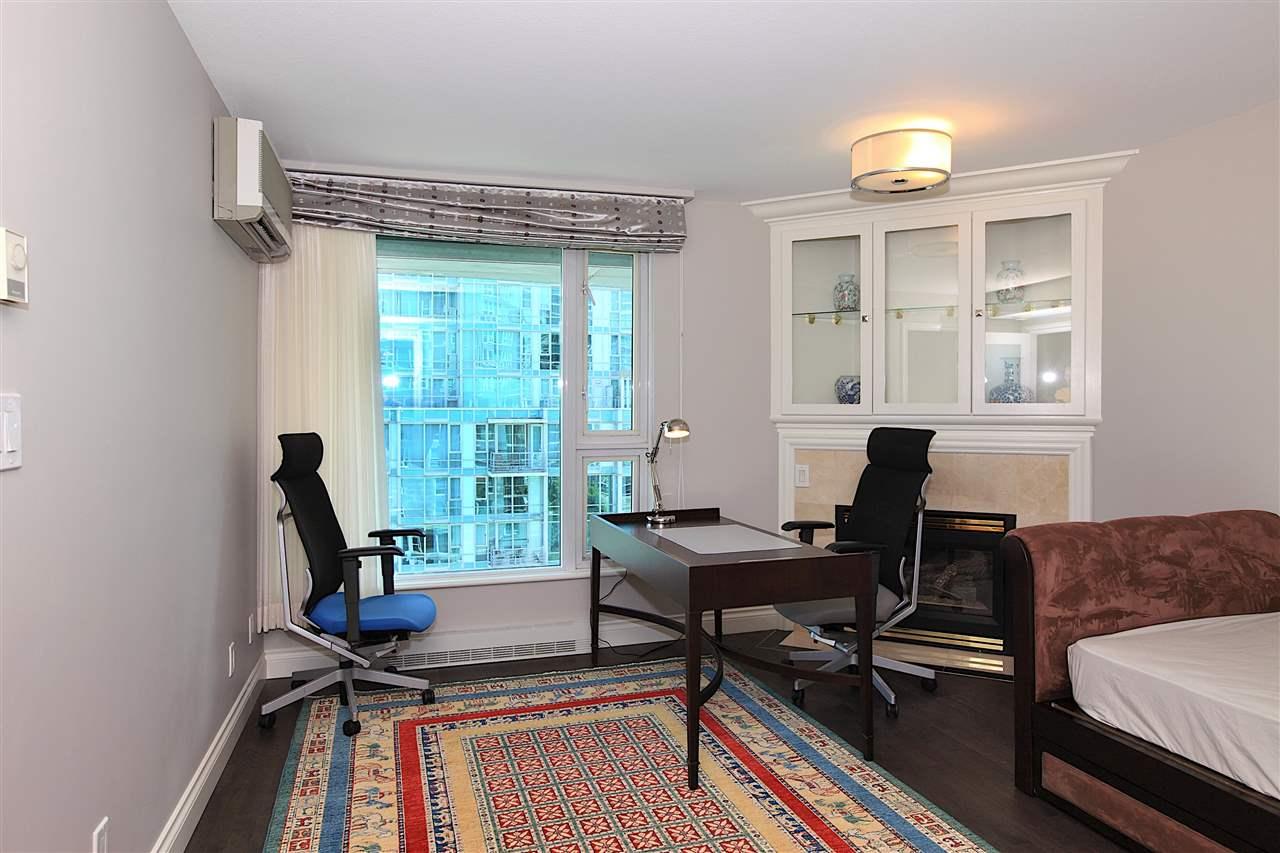 Condo Apartment at 1203 535 NICOLA STREET, Unit 1203, Vancouver West, British Columbia. Image 14