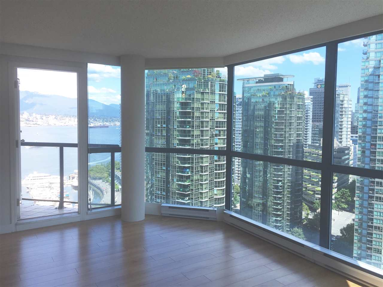 Condo Apartment at 1704 1415 W GEORGIA STREET, Unit 1704, Vancouver West, British Columbia. Image 3