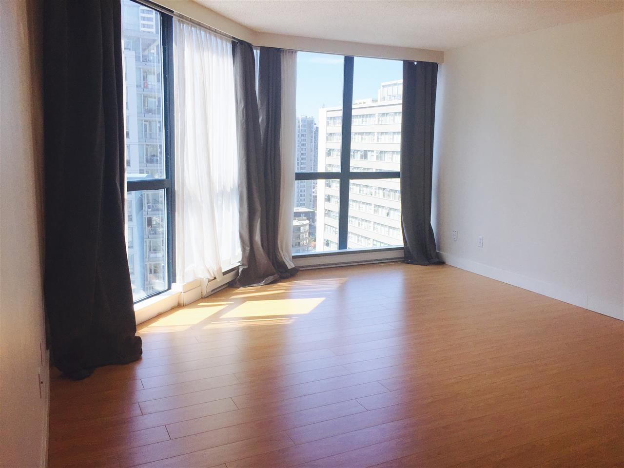 Condo Apartment at 1704 1415 W GEORGIA STREET, Unit 1704, Vancouver West, British Columbia. Image 8