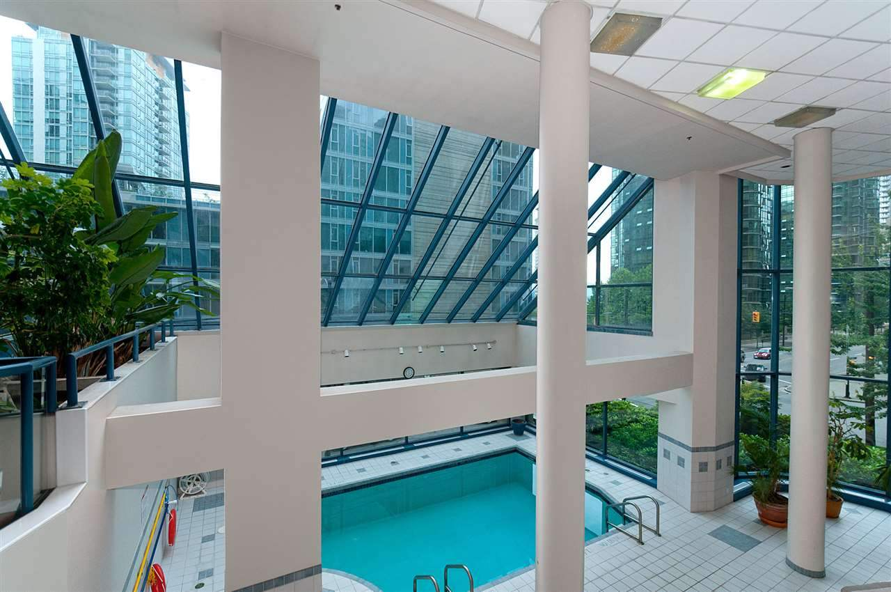 Condo Apartment at 1704 1415 W GEORGIA STREET, Unit 1704, Vancouver West, British Columbia. Image 10