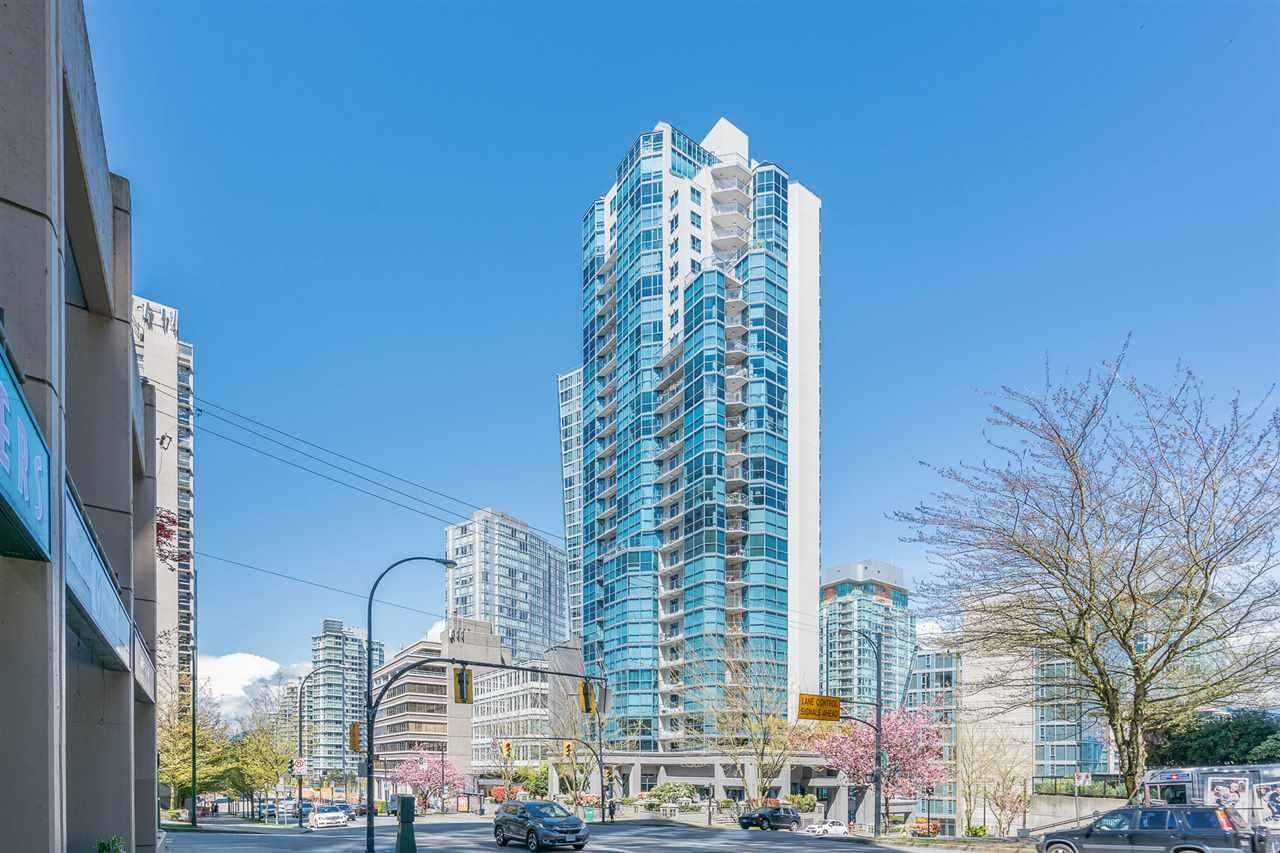 Condo Apartment at 1704 1415 W GEORGIA STREET, Unit 1704, Vancouver West, British Columbia. Image 12