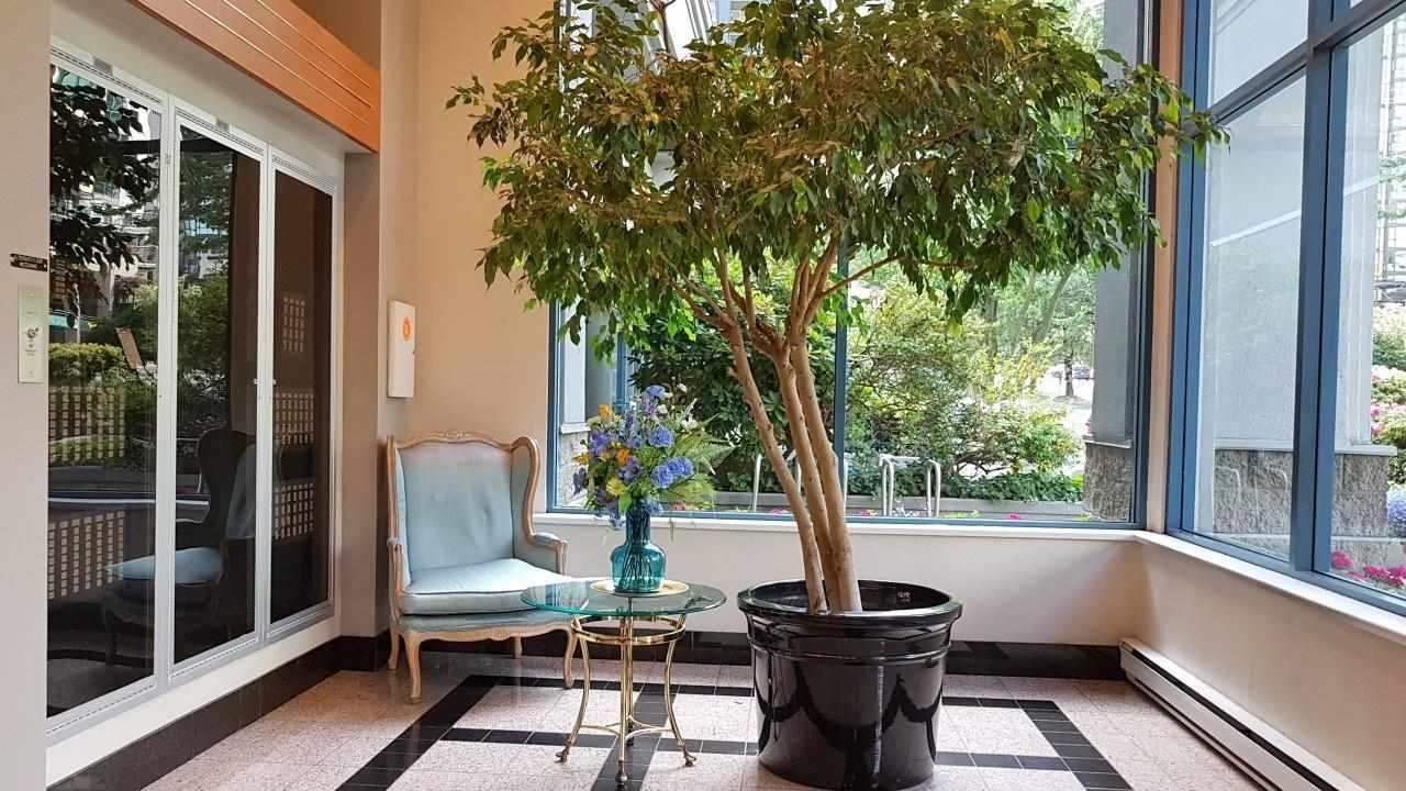 Condo Apartment at 1704 1415 W GEORGIA STREET, Unit 1704, Vancouver West, British Columbia. Image 14
