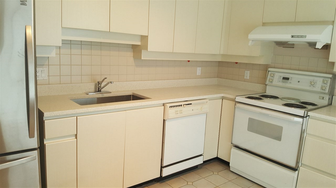 Condo Apartment at 303 2108 W 38TH AVENUE, Unit 303, Vancouver West, British Columbia. Image 7