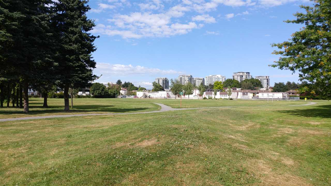 Condo Apartment at 421 6800 ECKERSLEY ROAD, Unit 421, Richmond, British Columbia. Image 10