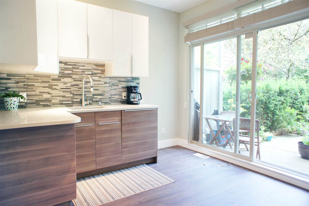Townhouse at 7190 HURON MEWS, Vancouver East, British Columbia. Image 2