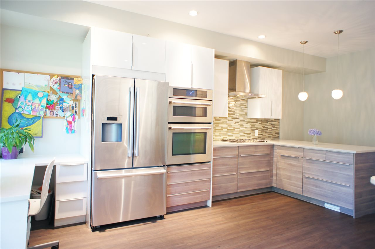 Townhouse at 7190 HURON MEWS, Vancouver East, British Columbia. Image 3