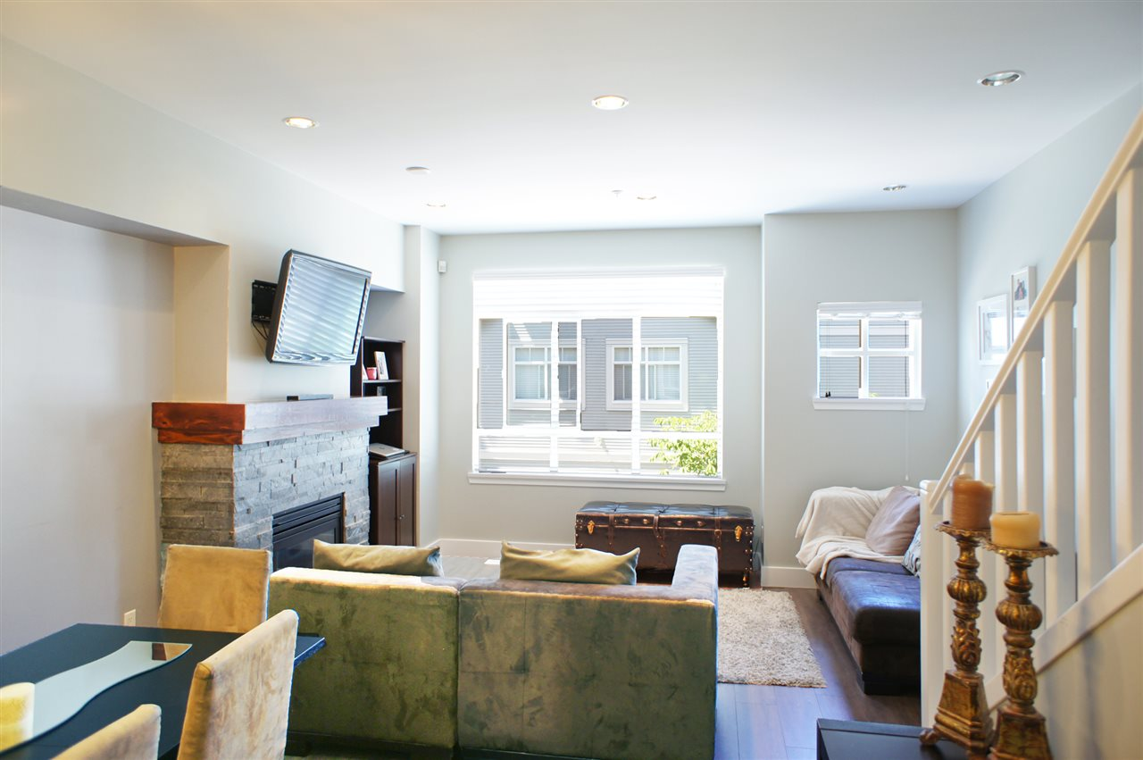 Townhouse at 7190 HURON MEWS, Vancouver East, British Columbia. Image 4