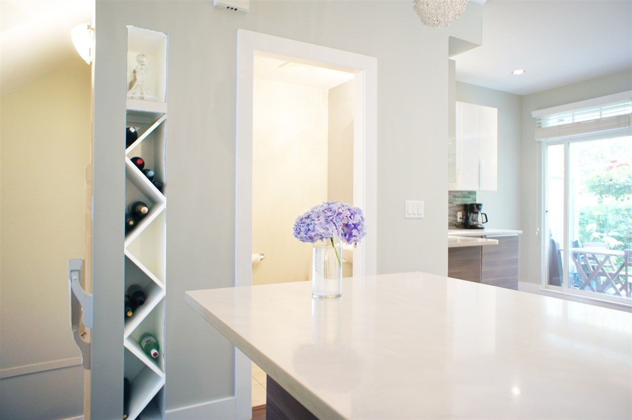 Townhouse at 7190 HURON MEWS, Vancouver East, British Columbia. Image 9
