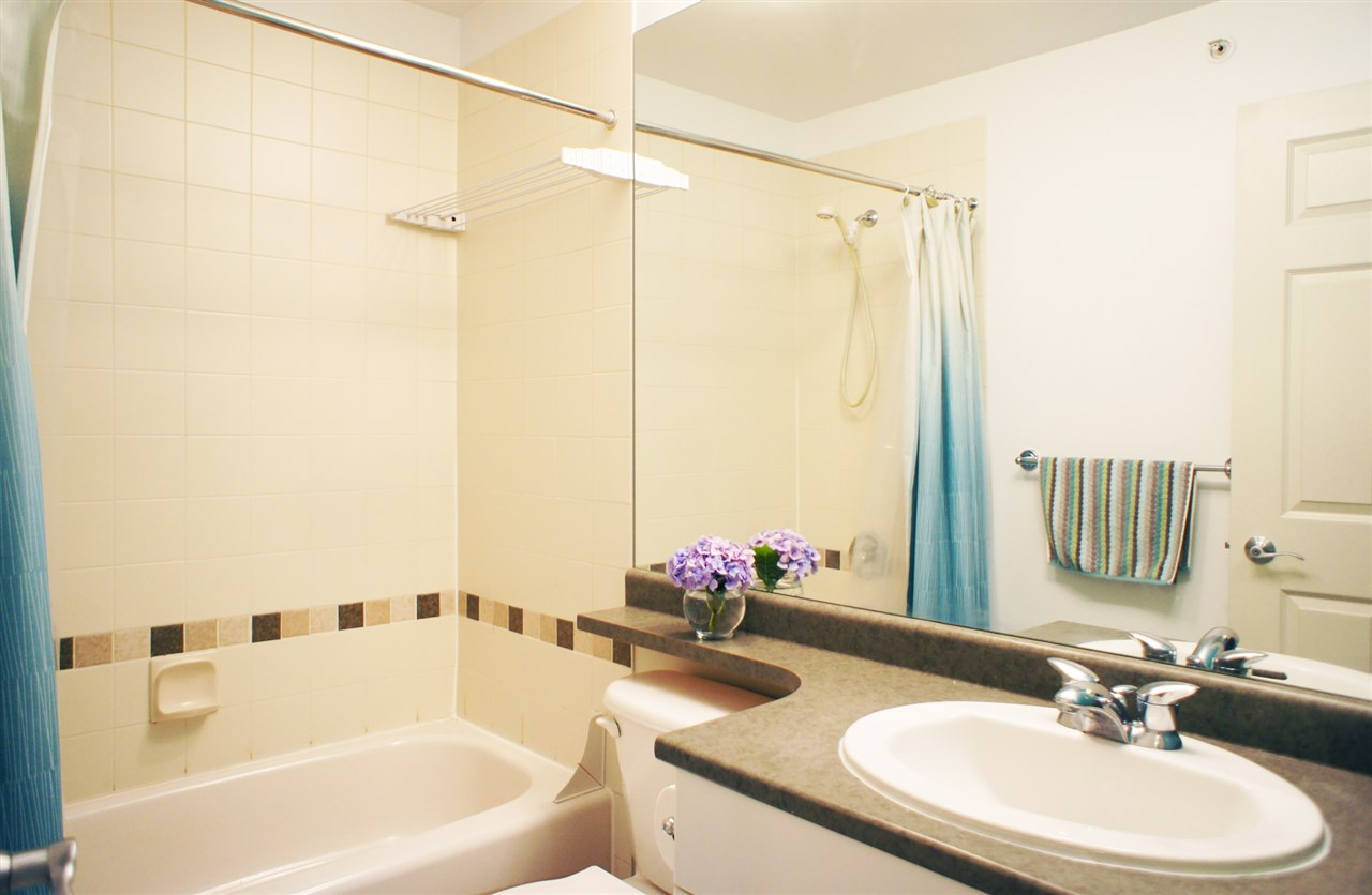 Townhouse at 7190 HURON MEWS, Vancouver East, British Columbia. Image 13