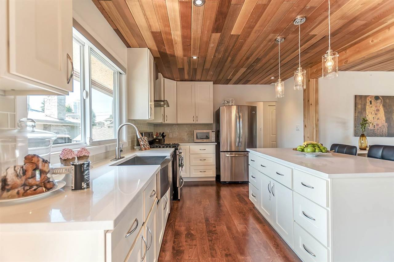 Detached at 7406 IMPERIAL STREET, Burnaby South, British Columbia. Image 6