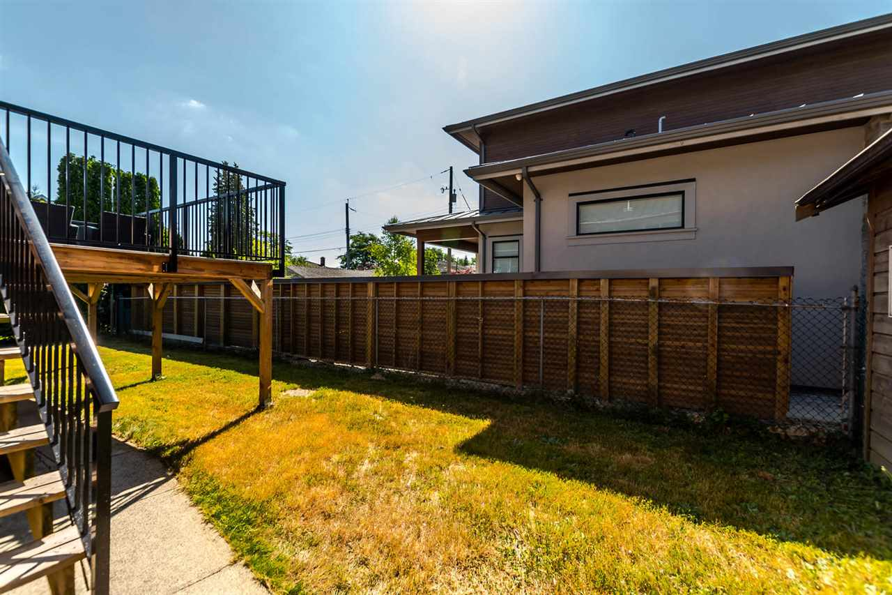 Detached at 7406 IMPERIAL STREET, Burnaby South, British Columbia. Image 16