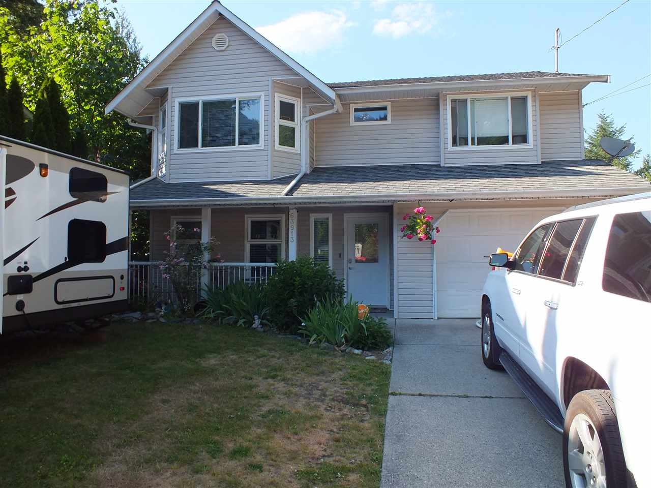 Detached at 63913 OLD YALE ROAD, Hope, British Columbia. Image 1