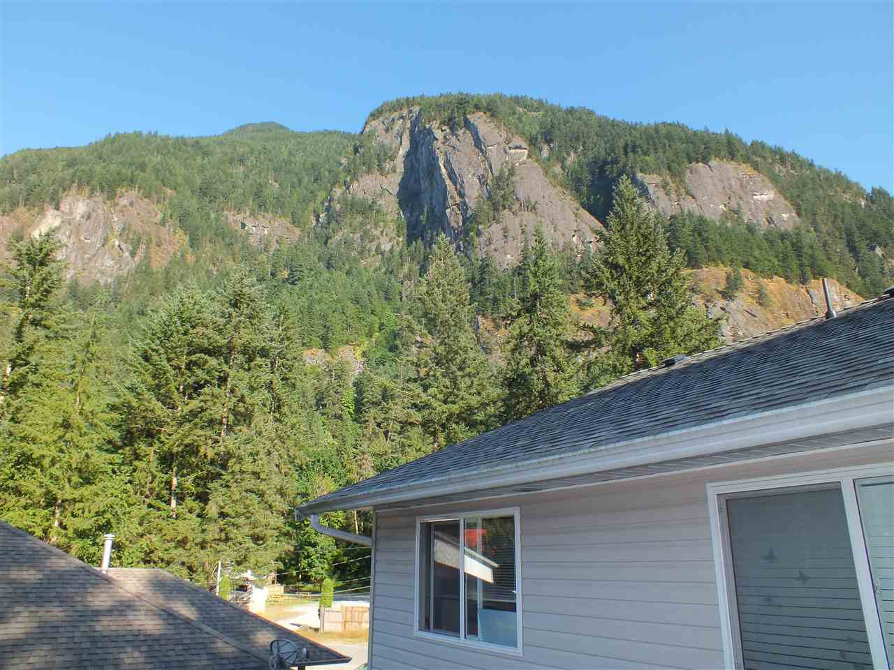 Detached at 63913 OLD YALE ROAD, Hope, British Columbia. Image 13