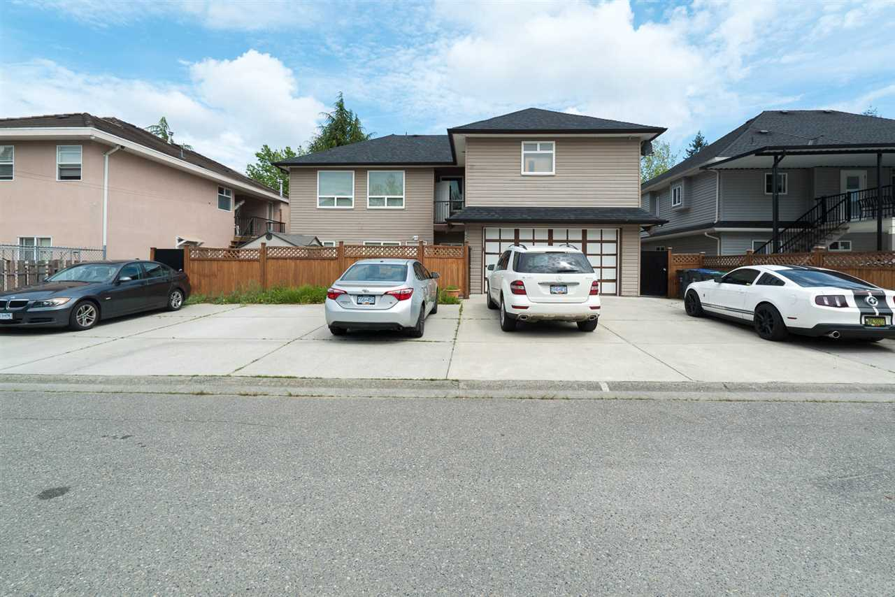 Detached at 7049 132 STREET, Surrey, British Columbia. Image 2