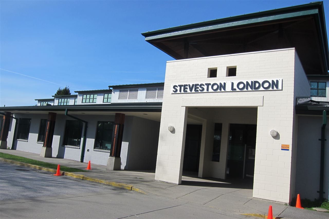 Detached at 7031 PETTS ROAD, Richmond, British Columbia. Image 5