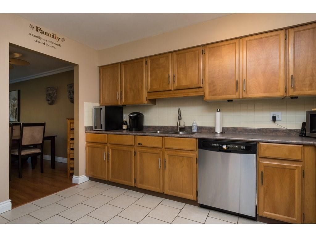 Condo Apartment at 517 1350 VIDAL STREET, Unit 517, South Surrey White Rock, British Columbia. Image 5