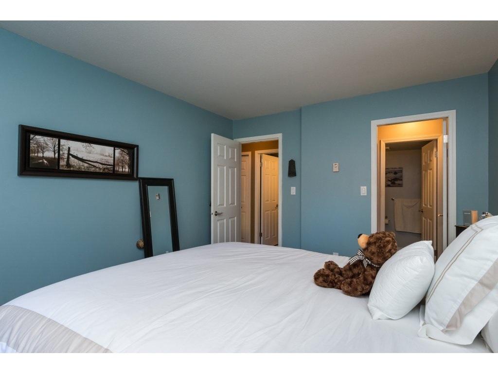 Condo Apartment at 517 1350 VIDAL STREET, Unit 517, South Surrey White Rock, British Columbia. Image 13