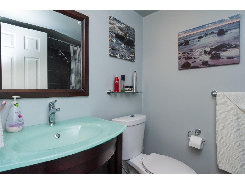 Condo Apartment at 517 1350 VIDAL STREET, Unit 517, South Surrey White Rock, British Columbia. Image 14