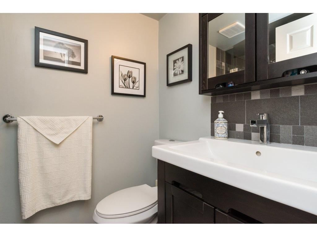 Condo Apartment at 517 1350 VIDAL STREET, Unit 517, South Surrey White Rock, British Columbia. Image 16