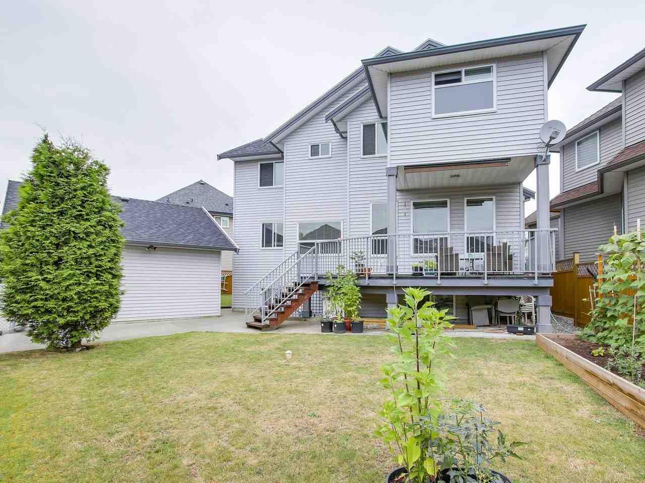 Detached at 7244 199 STREET, Langley, British Columbia. Image 20
