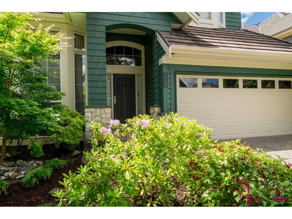 Detached at 3419 ROSEMARY HEIGHTS CRESCENT, South Surrey White Rock, British Columbia. Image 2