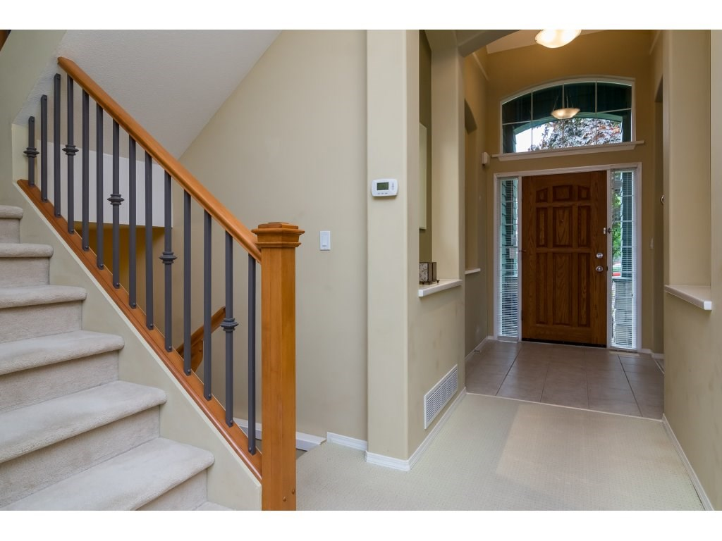 Detached at 3419 ROSEMARY HEIGHTS CRESCENT, South Surrey White Rock, British Columbia. Image 3